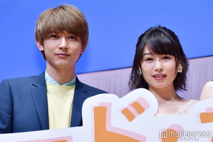 映画『ママレード・ボーイ』完成披露試写会に登壇した(左から)吉沢亮、桜井日奈子 (C)モデルプレス