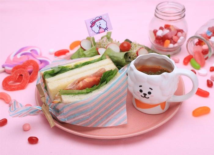 ラッピングキャンディーサンドイッチ1,490円(C)BT21