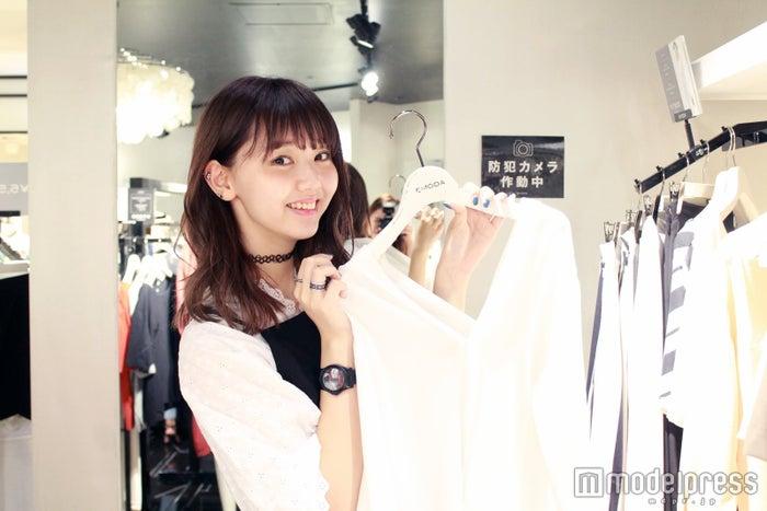 持ってるトップスを発見/モデル:江野沢愛美