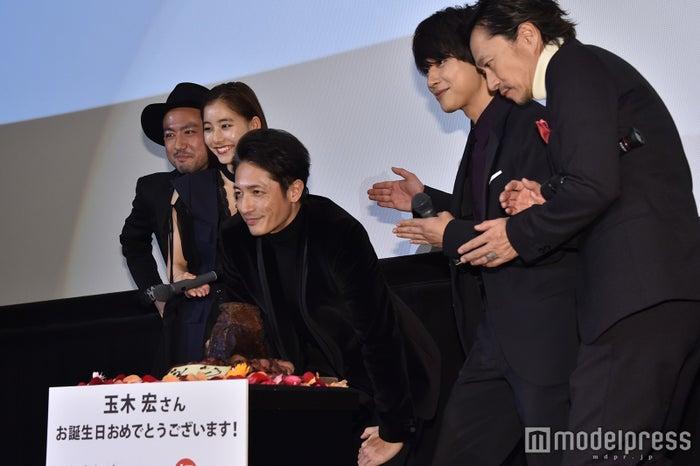 (左から)中村哲平監督、新木優子、玉木宏、吉沢亮、中村達也 (C)モデルプレス