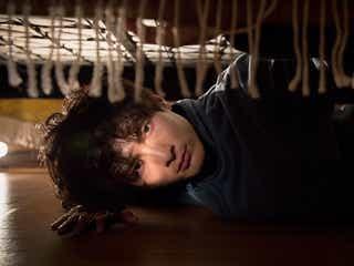 """高良健吾、女性をベッドの下から監視 """"異常者""""役でR18指定映画主演<アンダー・ユア・ベッド>"""
