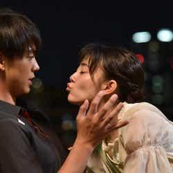 竹内涼真、高畑充希/「過保護のカホコ」第3話より(画像提供:日本テレビ)