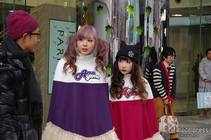「AMOYAMO」ユニットとしても活動中(左より)AMO、AYAMO