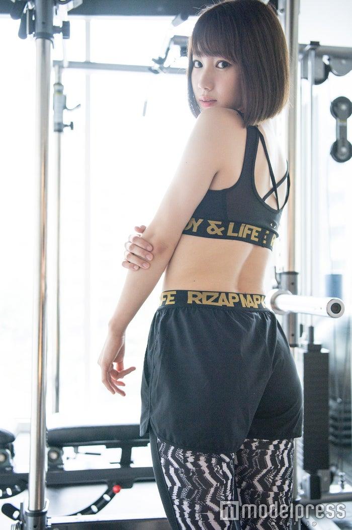 高野祐衣/美ヒップ強調 (C)モデルプレス