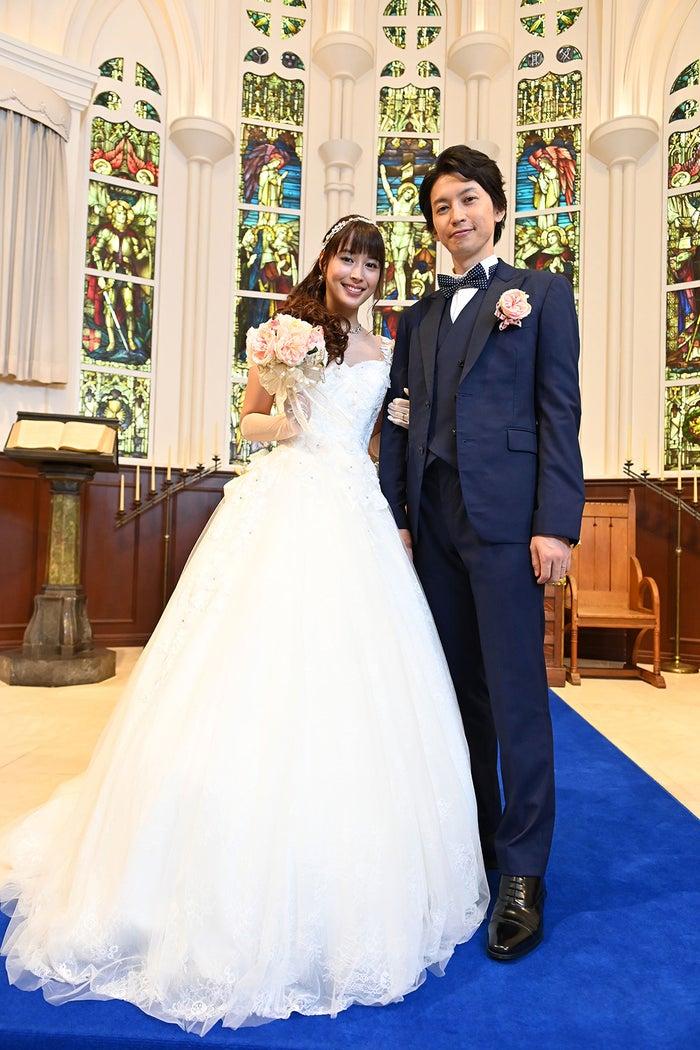 幸せな結婚式から5年後―夫・大倉忠義が恐妻・広瀬アリスに完全KO!?「知ってるワイフ」(C)フジテレビ
