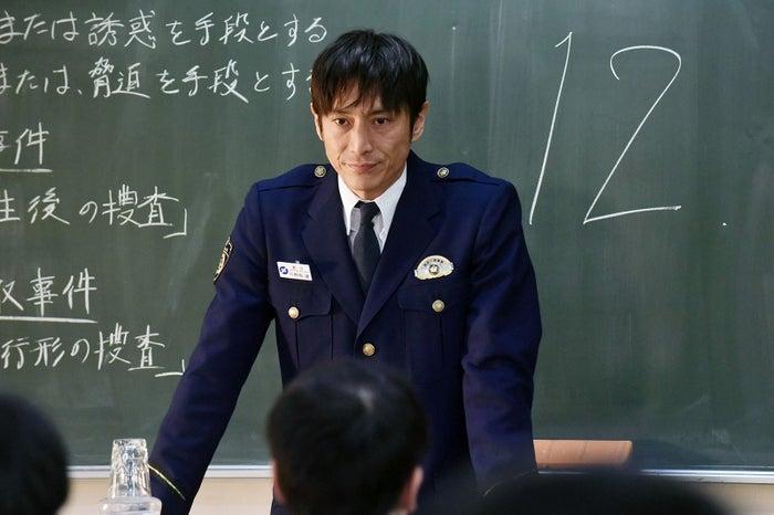 伊勢谷友介「未満警察 ミッドナイトランナー」第2話より(C)日本テレビ