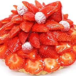 まるで花束のような美しさ!色彩豊かなフルーツが輝く麗しのクリスマスケーキ
