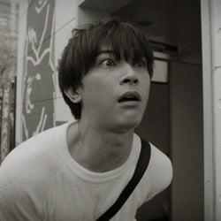 吉沢亮が鬼の形相で探すものとは 加藤諒とデッドヒート