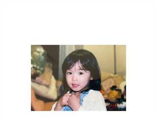 松岡茉優、幼少期ショットに絶賛の声「天使」「面影ある」