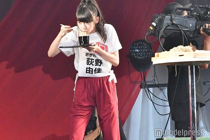 へぎそばをかっくらう荻野由佳/NGT48 4thシングルリリースイベント (C)モデルプレス