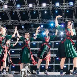 BiSH(左から)モモコグミカンパニー、アイナ・ジ・エンド、アユニ・D、リンリン、セントチヒロ・チッチ、ハシヤスメ・アツコ (写真提供:avex)