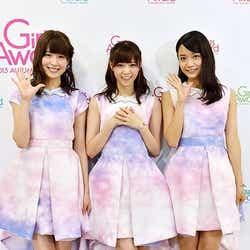 西野七瀬(中)、衛藤美彩(左)、深川麻衣(右)