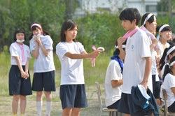 小野莉奈、岡田健史/「中学聖日記」第2話より(C)TBS