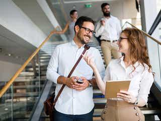 社内で気になる同僚をデートに誘いたい!同僚男性がOKしたくなるデートの誘い方とは?