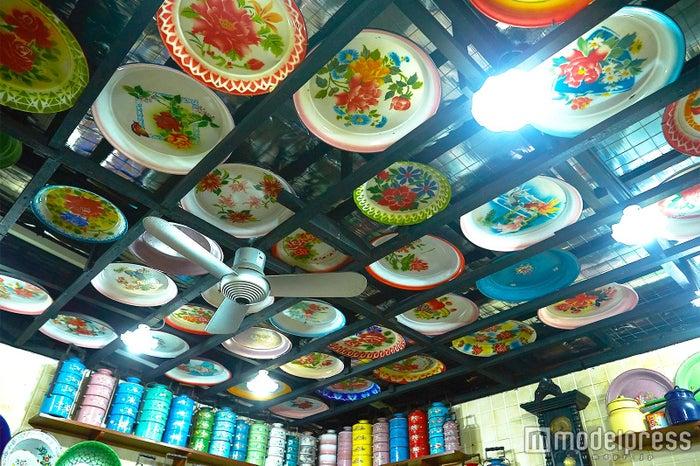 カトン・アンティーク・ハウス/レトロで可愛いお花柄の食器がインテリア代わり(C)モデルプレス