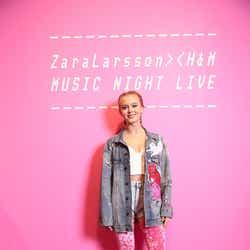 ザラ・ラーソン (画像提供:H&M)