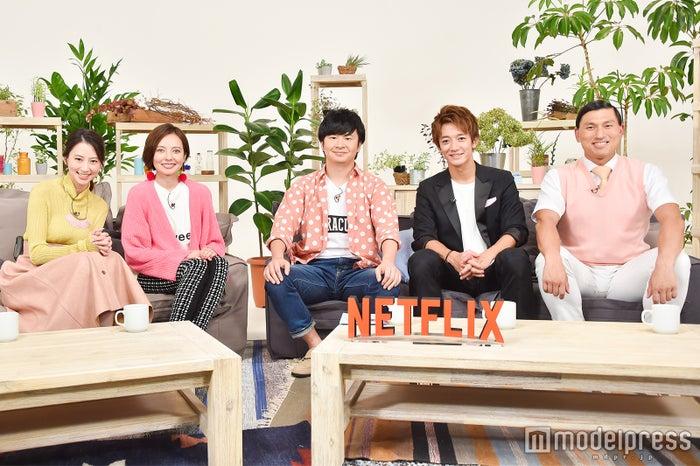 (左から)河北麻友子、ベッキー、若林正恭、大倉士門、春日俊彰(C)モデルプレス