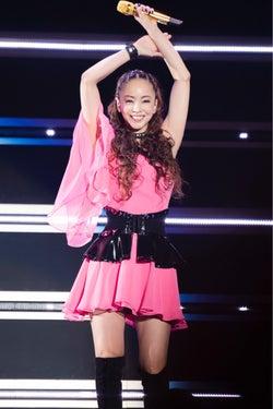 安室奈美恵、ラストツアー公演で「NOドリンク」最後まで貫くストイックな姿勢に大貫亜美も驚く「あんなに歌って踊って…」