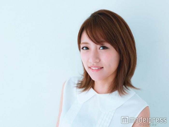 ト「GirlsAward 2016 SPRING/SUMMER」でMCを務める高橋みなみ/撮影:Takeo Dec.