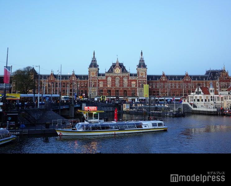 本棚や車に泊まれちゃう!一人旅にもおすすめなオランダの個性派ホテルをご紹介