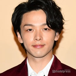 中村倫也、主演ドラマ「美食探偵」予定通り放送開始 本人がコメント