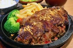 肉、にく、ニク~!「ワイキキ横丁」でお肉をモリモリ食べて夏バテ予防