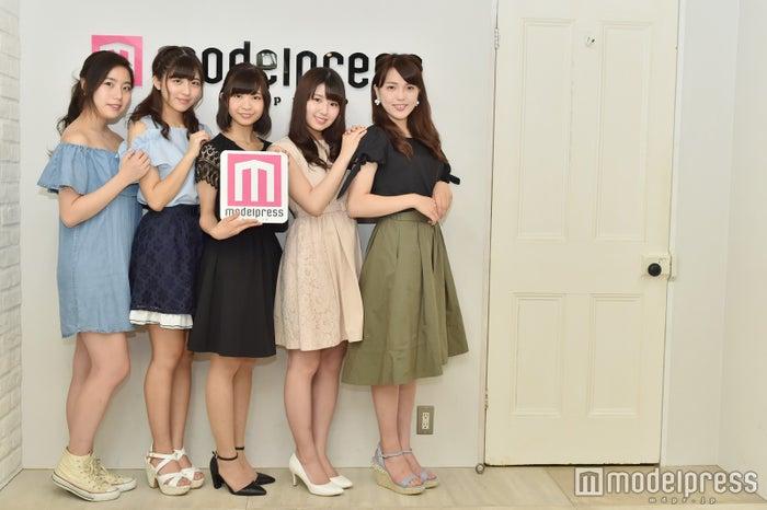 田中愛花さん、追川美樹さん、中尾安里さん、岩見燎さん、鈴木裕未さん(C)モデルプレス