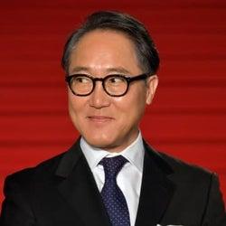 『リコカツ』出演中の佐野史郎さん、体調不良で降板。浮気性な父親役を演じていた