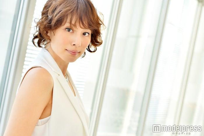 米倉涼子「本当に未熟」今の課題は? 女優人生を支える糧、夢を叶える秘訣も語る(C)モデルプレス