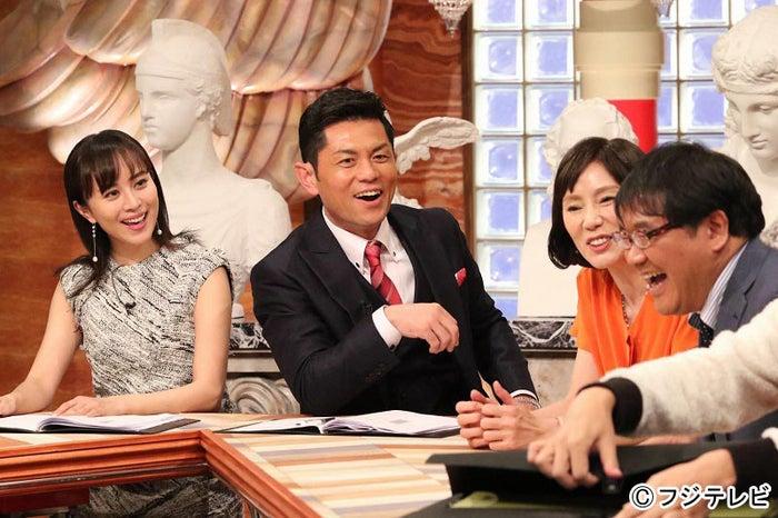 左から:比嘉愛未、的場浩司、秋野暢子、カンニング竹山/『実録!嘘と涙と男と女!波乱の人生頂上リサーチ』より