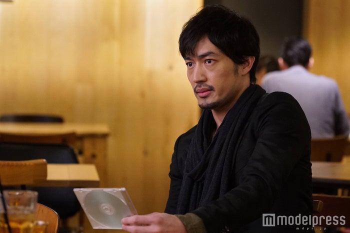 韓国からの逆輸入俳優・大谷亮平、月9「ラヴソング」で日本ドラマ初出演 (C)フジテレビ