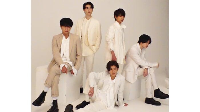 (左から時計回りに)中島健人、マリウス葉、佐藤勝利、菊池風磨、松島聡(C)フジテレビ