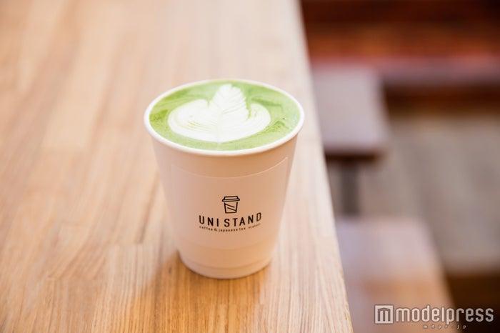 UNI STAND(ユニスタンド)/人気の宇治抹茶オレ520円(ホット)/(C)モデルプレス