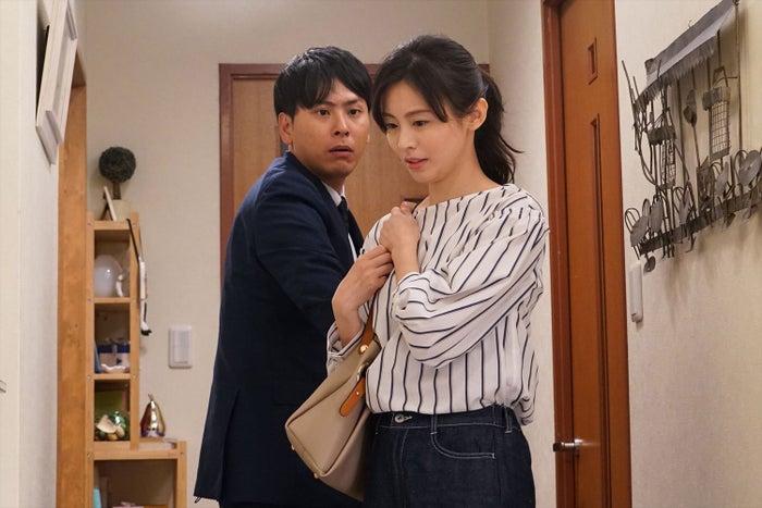 山下健二郎、本仮屋ユイカ(C)エイベックス通信放送/フジテレビジョン