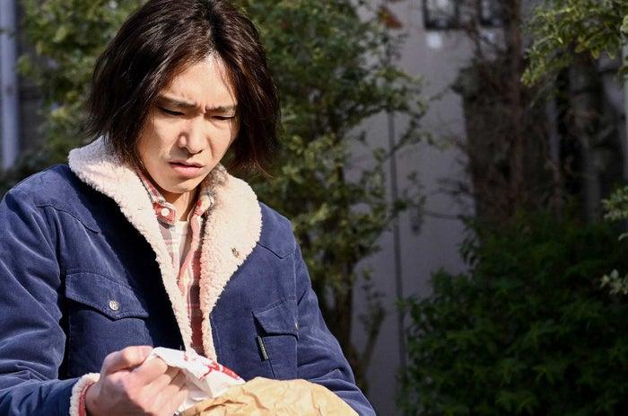 柄本佑「天国と地獄 ~サイコな2人~」第3話より(C)TBS