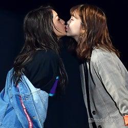 にこるん&みちょぱがステージでキス 元「Popteen」コンビに熱狂<TGC富山2018>