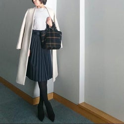 きれいめ大人女子のマストアイテム♡ プリーツスカートで作る春のオフィス&休日コーデ