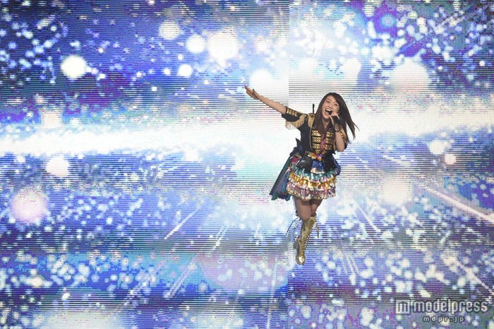 大島優子、2ヶ月越しのリベンジ「借りを返しに来たぜー!」<卒業コンサート・写真特集/セットリスト>(C)AKS