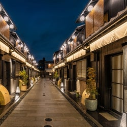 「Nazuna 京都 椿通」が開業、路地の町家群全体を旅館へリノベーション