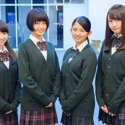 欅坂46(左から:今泉佑唯、平手友梨奈、鈴本美愉、渡辺梨加)