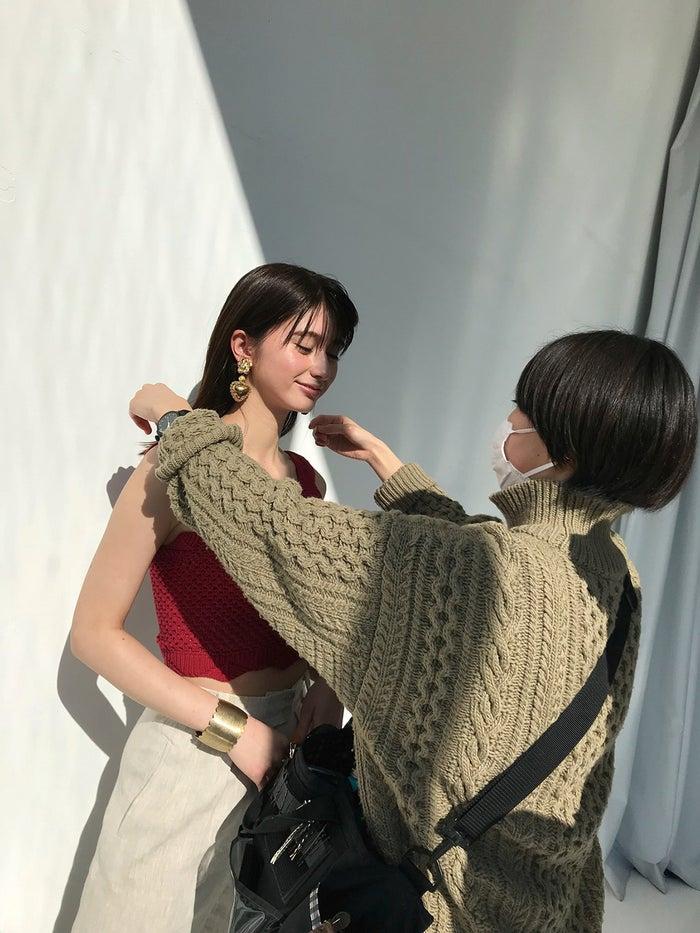 (左)菜波/撮影:中村和孝(画像提供:小学館)