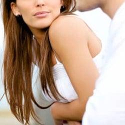 同窓会で再会した元彼に、心を開いたら…。新婚妻が深く傷つくことになった理由は