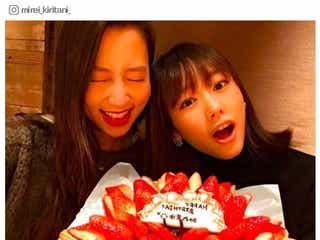 """桐谷美玲&河北麻友子「真ん中バースデー」でお祝い """"みれまゆ""""ケーキ2ショットが可愛すぎる"""