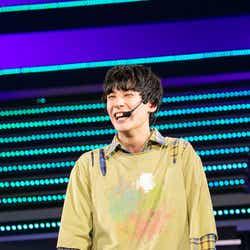 ユースケ/「BULLET TRAIN Arena Tour 2018 GOLDEN EPOCH at OSAKA-JO HALL」より(画像提供:SDR)