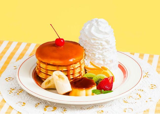 なつかしのパンケーキ・ア・ラ・モード税込1,630円/画像提供:Eggs'n Things Japan