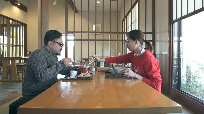 理生、りさこ「TERRACE HOUSE OPENING NEW DOORS」46th WEEK(C)フジテレビ/イースト・エンタテインメント