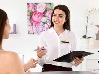 30代女性が美容部員に転職するためのポイント 応募・面接での注意点は?