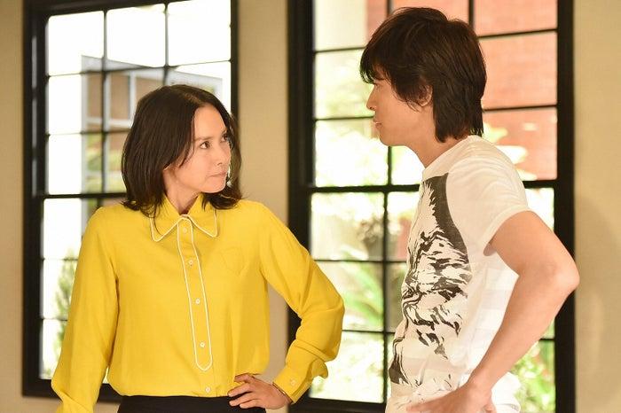 中谷美紀、藤木直人「私 結婚できないんじゃなくて、しないんです」第8話・場面カット(C)TBS