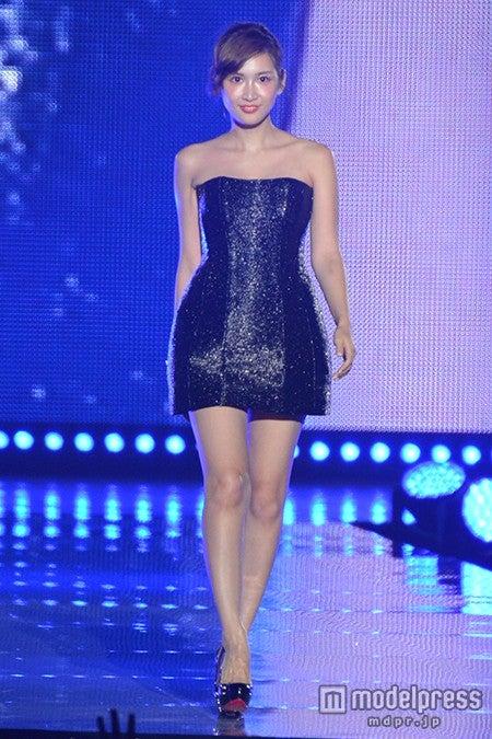 「東京ランウェイ2014 AUTUMN/WINTER」トップバッターをつとめた紗栄子【モデルプレス】