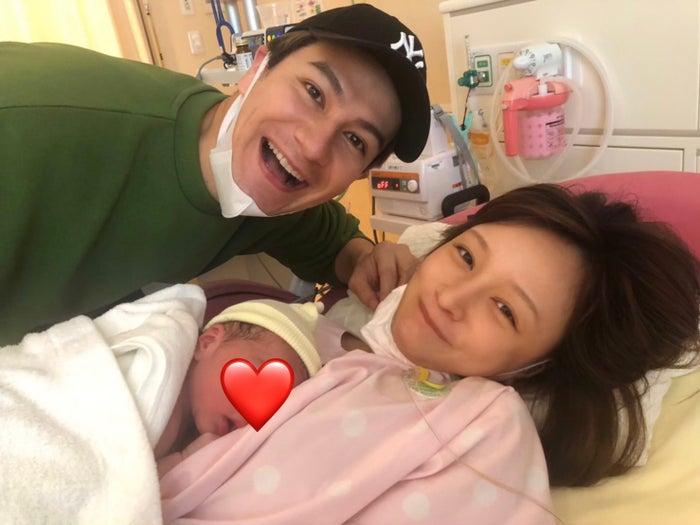 第1子女児が誕生したJOY、わたなべ麻衣(提供写真)